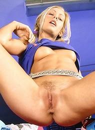 Stunning blonde honey spreads her pussy