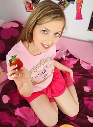 Strawberry, cream & juice